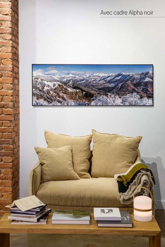 Vallée de La Jordanne, hiver, Cantal - Avec cadre noir (en option)