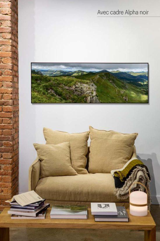 Monts du Cantal vus du Chavaroche - Avec cadre noir (en option)